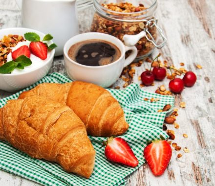 Stawberries Croissant